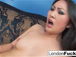 London Keyes and Evelynn Linn have some girl-on-girl action
