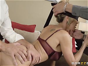 The spouse of Brandi love lets her tear up a different man