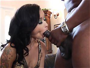 skin Diamond wraps her wet lips plump a huge man meat