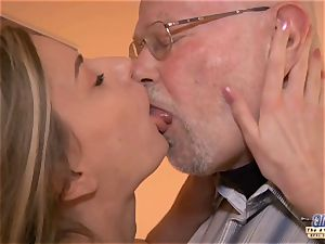 youthfull assistant plumbs old man manager ravages sumptuous girl