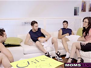 cuckold cougar porks son And friends When Hubbys Away