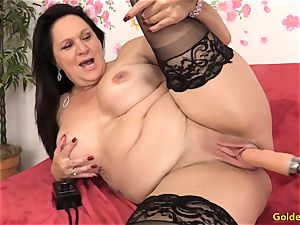 Mature Leylani dick torn up by a Machine