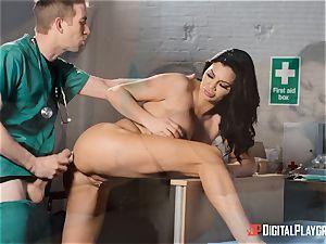 Jasmine Jae satisfied with her new figure pleases a monster schlong doc