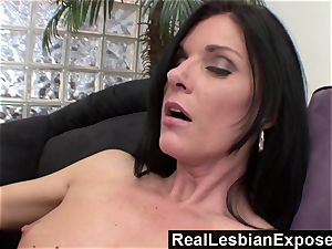 RealLesbianExposed mommy Knows How to