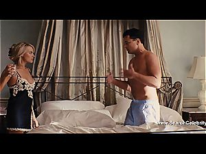 Margot Robbie bare in The teddy of Wall Street