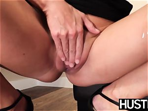 stunning India Summers splashes after chomping down big black cock