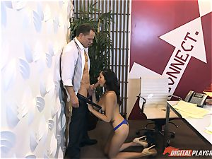 Ariana Marie at her daddys work getting romped in his office