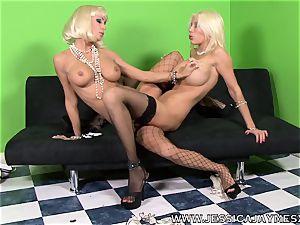 Puma Swede and Jessica Jaymes scissorring