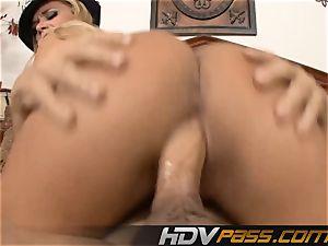 blond Cop Getting Her vagina hammered