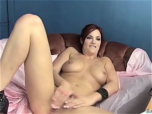 sensuous Jayden Cole luvs taunting her tastey raw clit