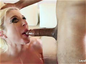 Leya Falcon wants her rump screwed stiffer