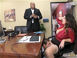 Alison Tyler gets her obese cooter dicked in the office