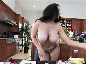 Culinary flash presenter Jayden Jaymes gets her fuckbox jammed with firm sausages