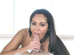 PureMature lubricated up rubdown drill with cougar Ava Addams