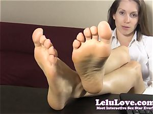 secretary teases and taunts you with her naked feet