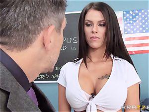 sloppy schoolgirl Peta Jensen screws the lucky dean
