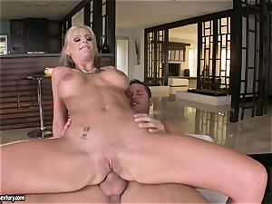 rectal lover Phoenix Marie juggles her bum on a massive prick